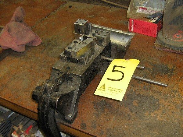 5: Helmold heavy duty nocher, 4 hole house, spare tooli
