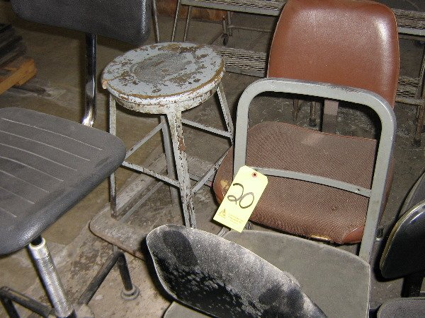 20: Lot of chairs
