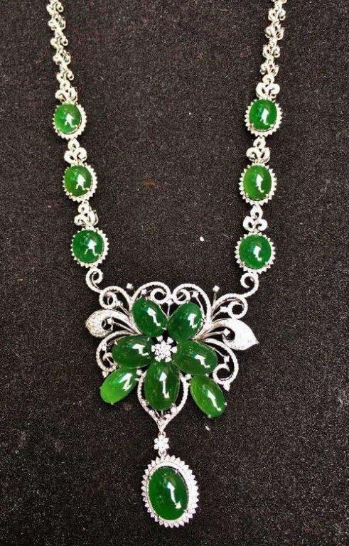 GIA 18k Chinese Natural Green Jadeite Jade Necklace