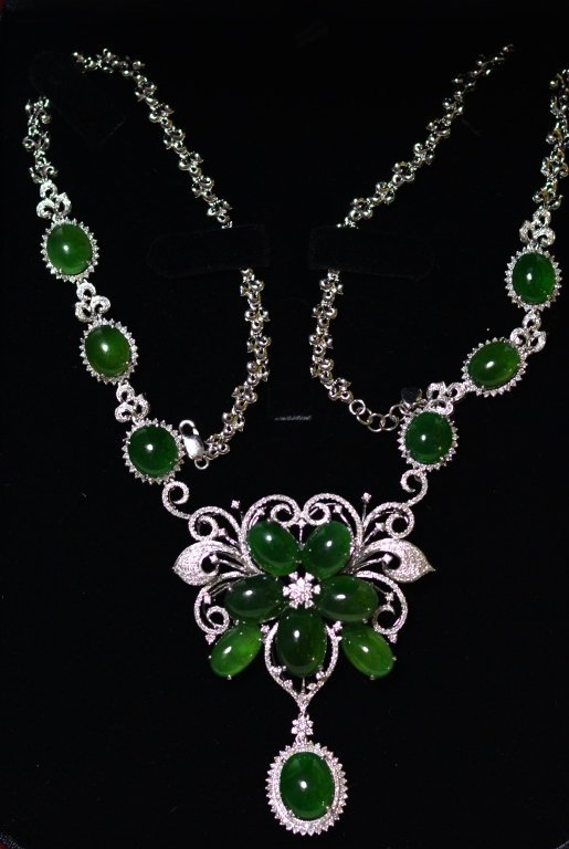 GIA Chinese Natural Green Jadeite Jade Necklace