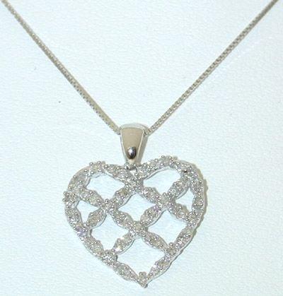 6504: 10KW Gold Necklace w/ Diamonds Heart Pendant
