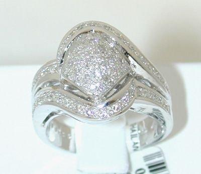 6511: 18KW Gold Diamond Ring