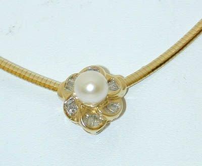 6516: 14K Gold Pearl/Diamond Necklace
