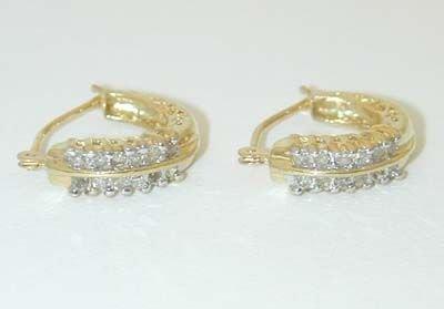6520: 14K Gold Diamonds Earrings