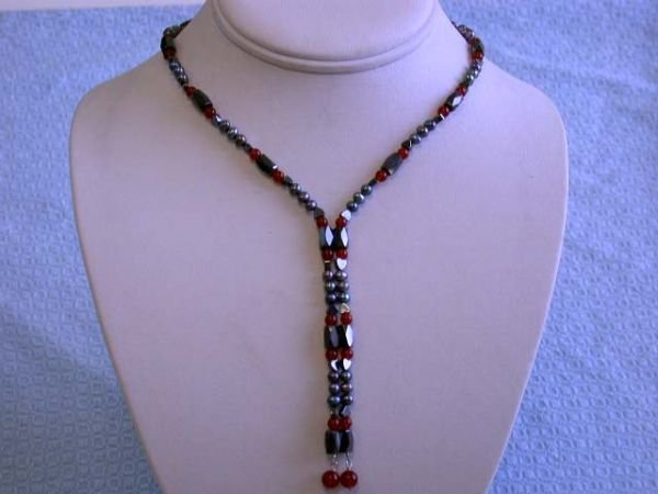 7009: Carnelian, Hematite and Fresh Water Pearl Magnet