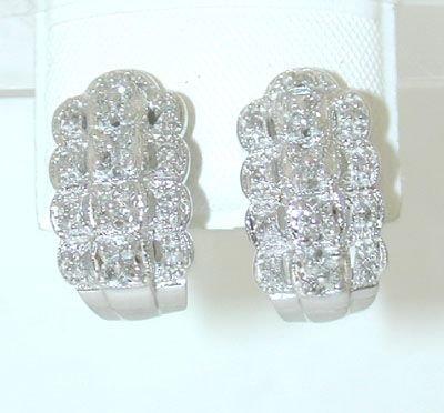 8014: 14KW Gold Earring w/ Diamond