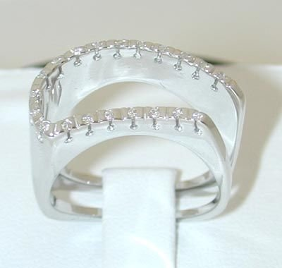 8015: Salavetti 18KW Gold Ring w/ Diamond