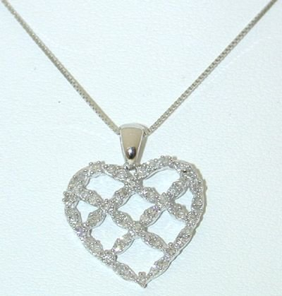 7518: 10KW Gold Necklace w/ Diamonds Heart Pendant