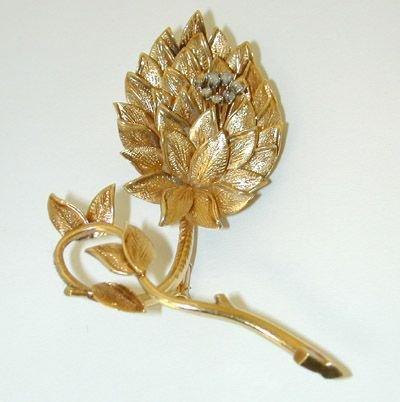 7530: 14K Gold Diamonds Pin