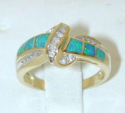 7535: 10K Gold Diamonds/Opal Ring