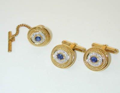 7596: 18K Gold Diamonds/Sapphires Cufflinks/Tie pin set