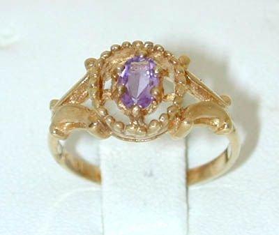 8525: 14k Gold Amethyst Ring
