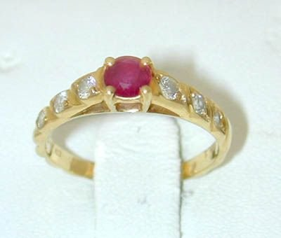 8531: 14K Gold Ruby/Diamond Ring