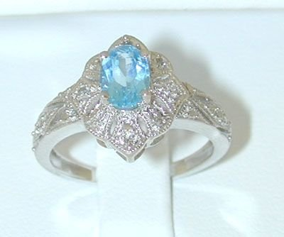 8541: 10K White Gold Diamonds Ring w/Blue Topaz