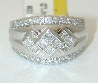 8925: 14K White Gold Invisible set Diamonds Ring - 2