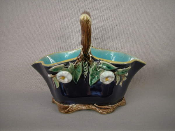 512: Majolica Holdcroft Water Lily Creamer
