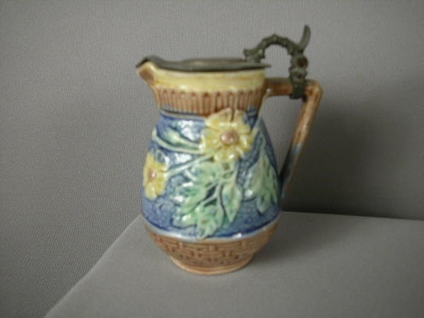 505: Majolica ETRSUCAN wild rose syrup pitcher with but