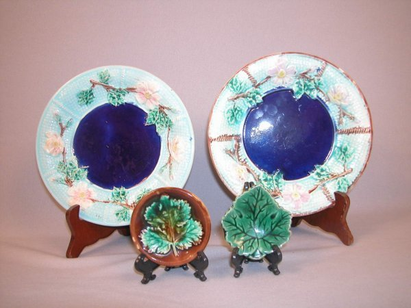 """1: Majolica Pair of wild rose and rope 7 1/2"""" plates wi"""