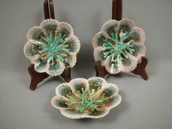 6: Majolica ETRUSCAN set of 3 shell and seaweed scallop