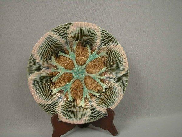 "9: Majolica ETRUSCAN 9 1/4"" shell and seaweed plate, ha"
