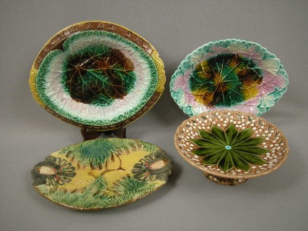 16: Majolica Majolica group of 3 platters and one compo