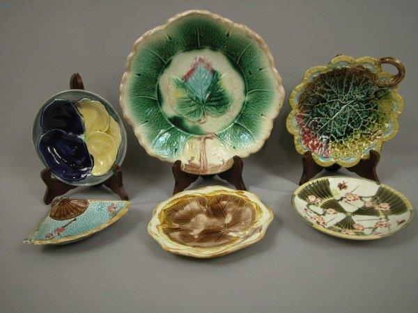 17: Majolica Majolica group of 6 plates, bowls and tray