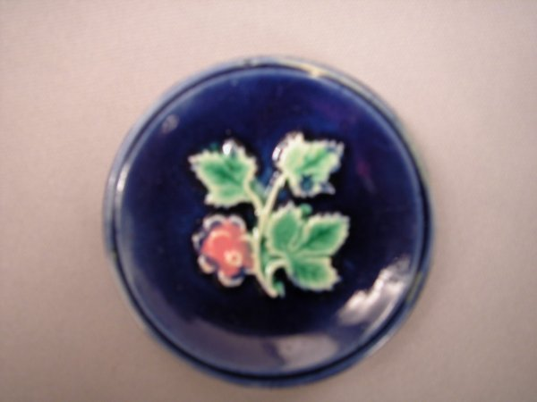 422: Majolica Round cobalt butter pat with pink flower
