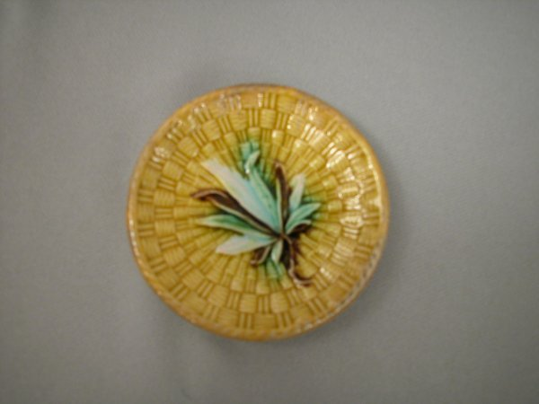 424: Majolica Yellow basketweave butter pat with green,