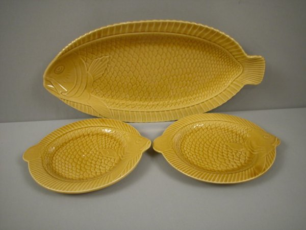 "8: Sarreguemines large yellow fish platter, 21"" and 2-1"