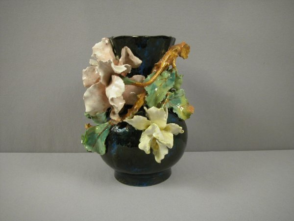 """17: French majolica vase with applied flowers, 8"""", nick"""
