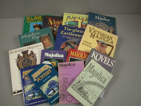 91: Lot of 14 majolica reference books