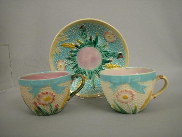 11: Majolica Fielding Daisy Cup & Saucer