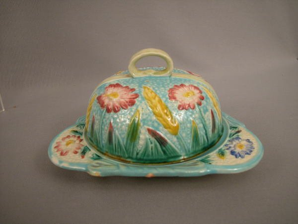 13: Majolica Fielding Covered Butter Dish