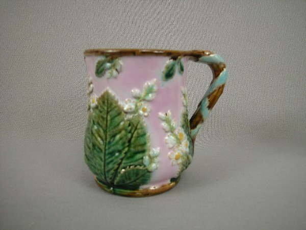 306: Majolica George Jones Chestnut Mug