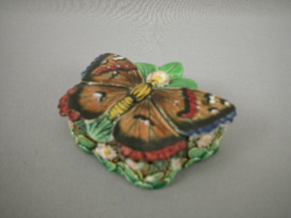 314: Majolica George Jones Butterfly Patch Box