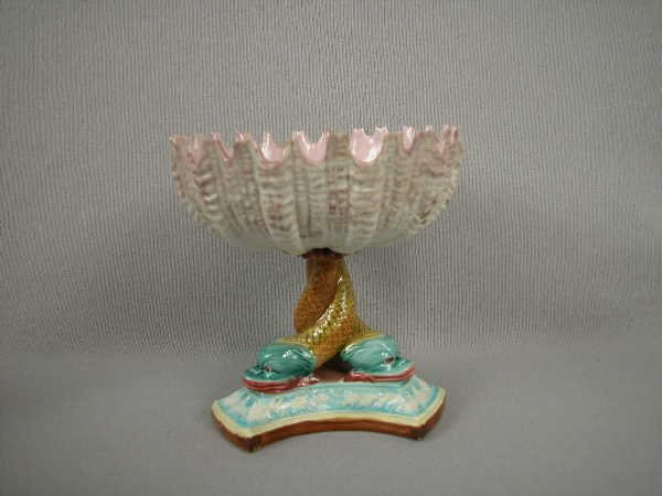 318: Majolica Royal Worcester Shell Comport