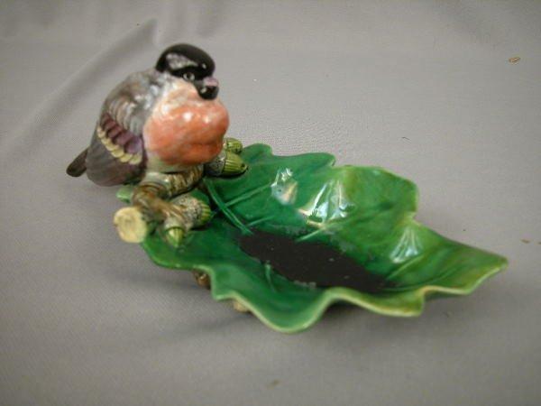 413: Majolica Minton finch on Oak Leaf Tray