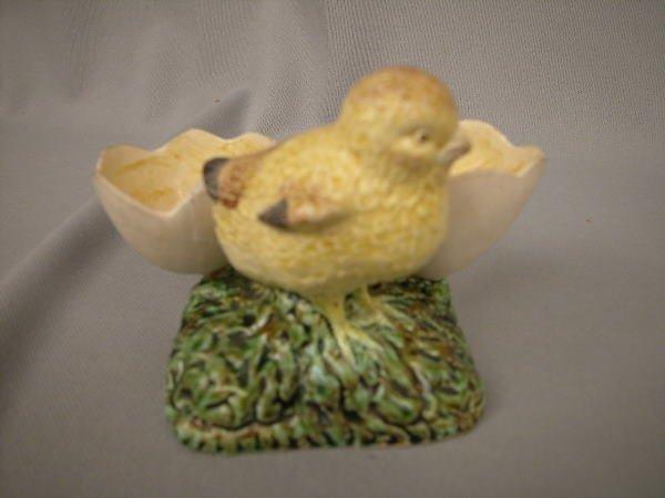 418: Majolica Chick Egg Holder