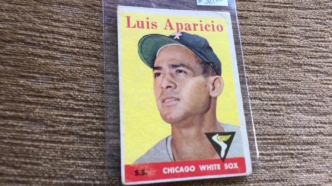 Luis Aparicio 1958 topps vintage baseball card - 2