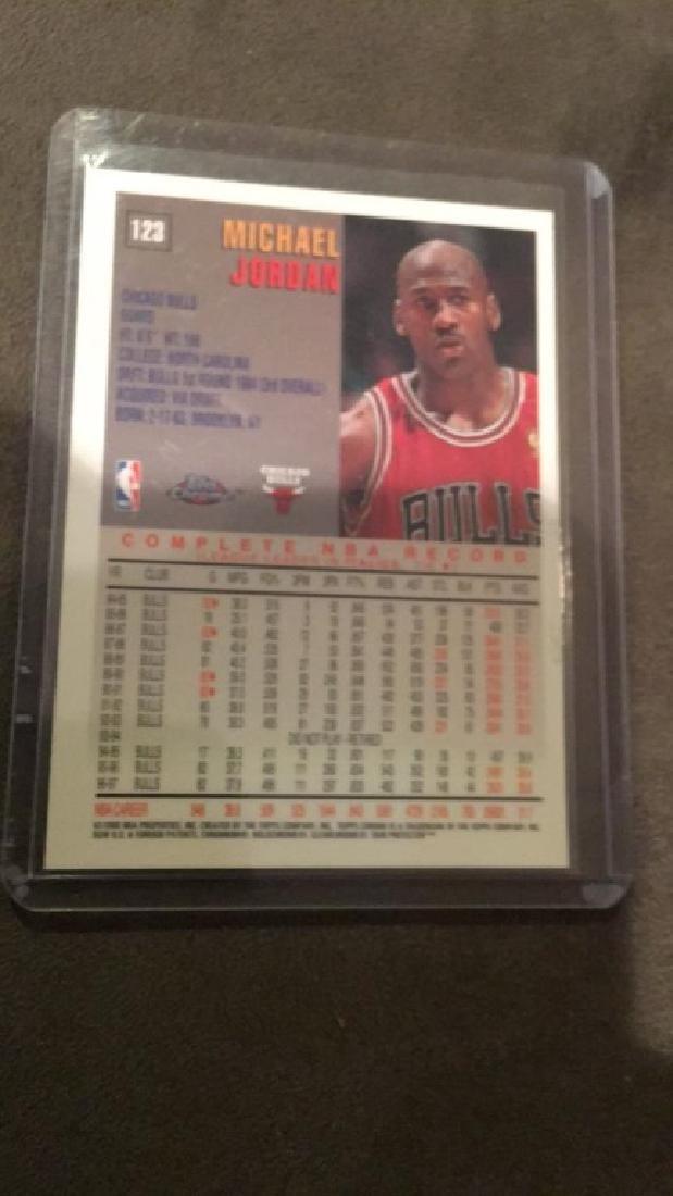Michael Jordan 1997-98 topps chrome number 123 - 2