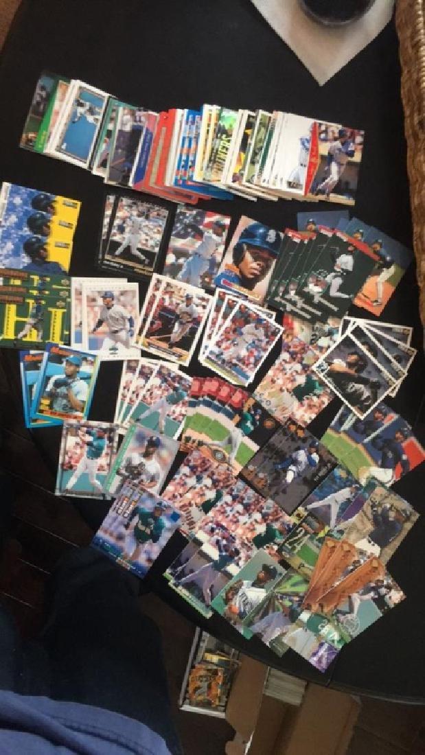 Lot of over 150 ken Griffey Jr baseball cards