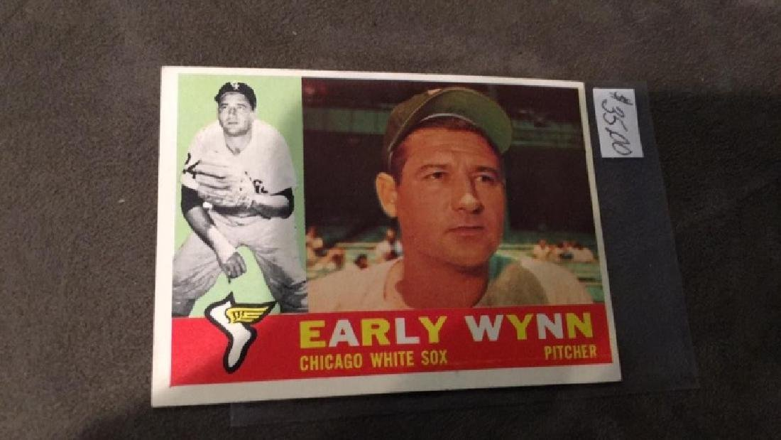 Early winter 1960 tops vintage baseball card nice