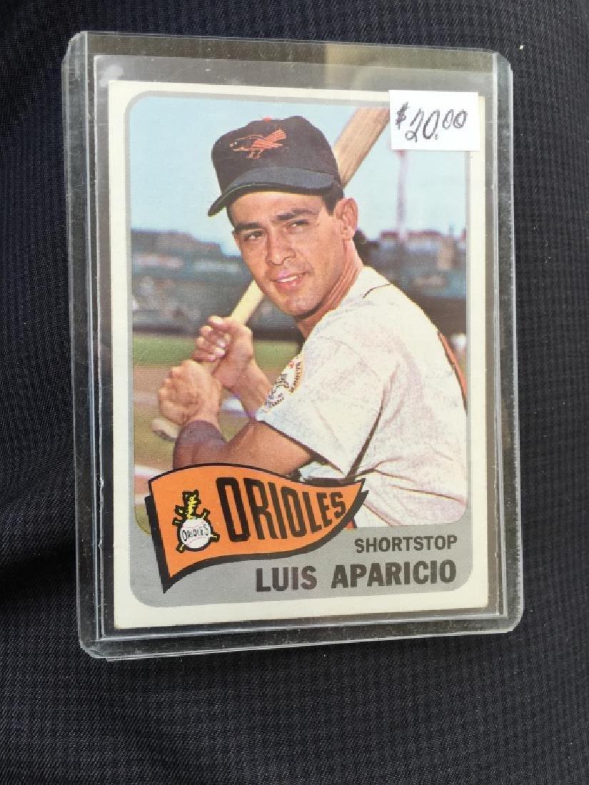 1965 Topps #410 Luis Aparicio (Hall Of Famer!)