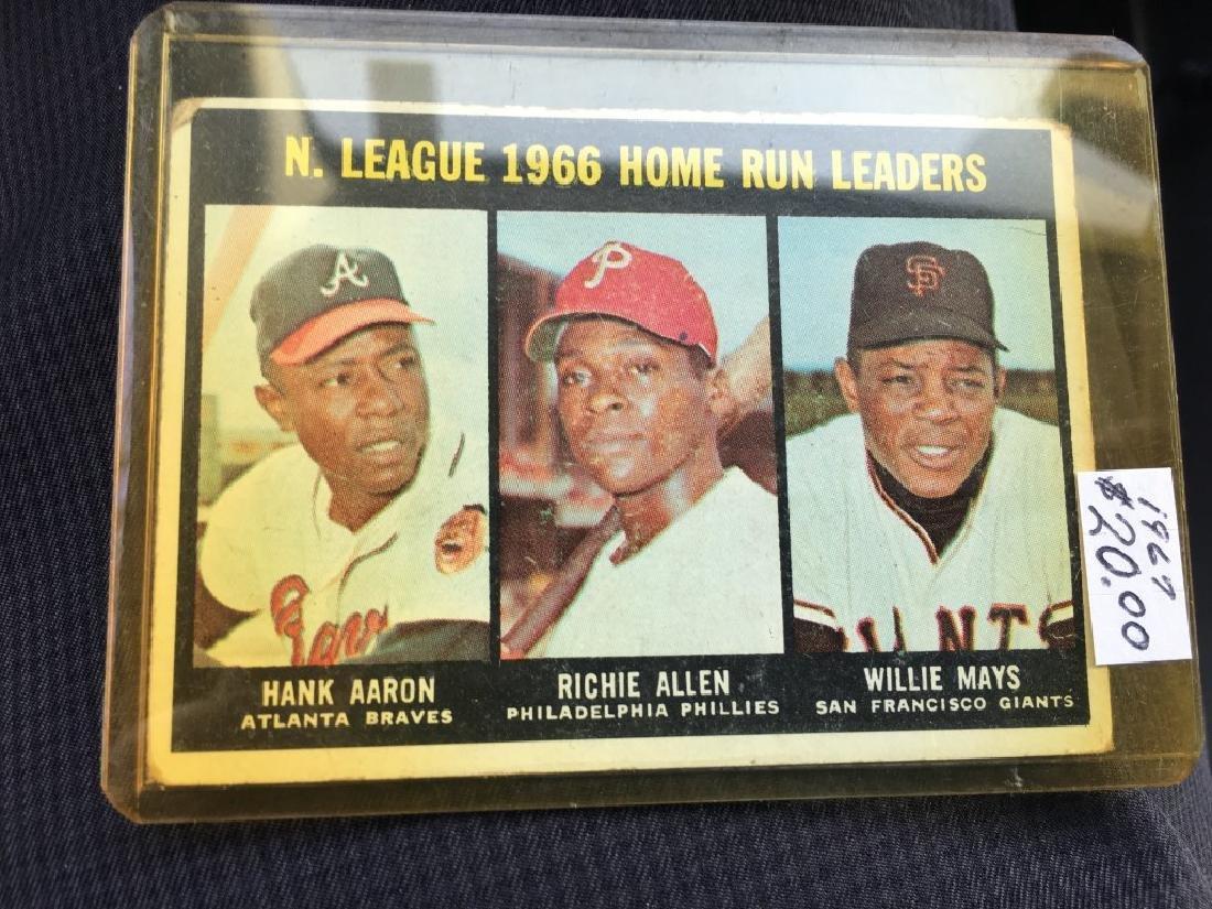 1967 TOPPS #244 N.L. HOME RUN LEADERS AARON MAYS