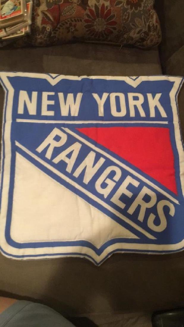 New York rangers sign