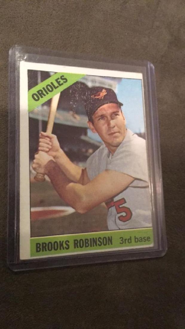 1966 tops Brooks Robinson
