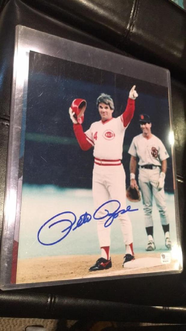 Pete Rose autograph 8x10 with COA