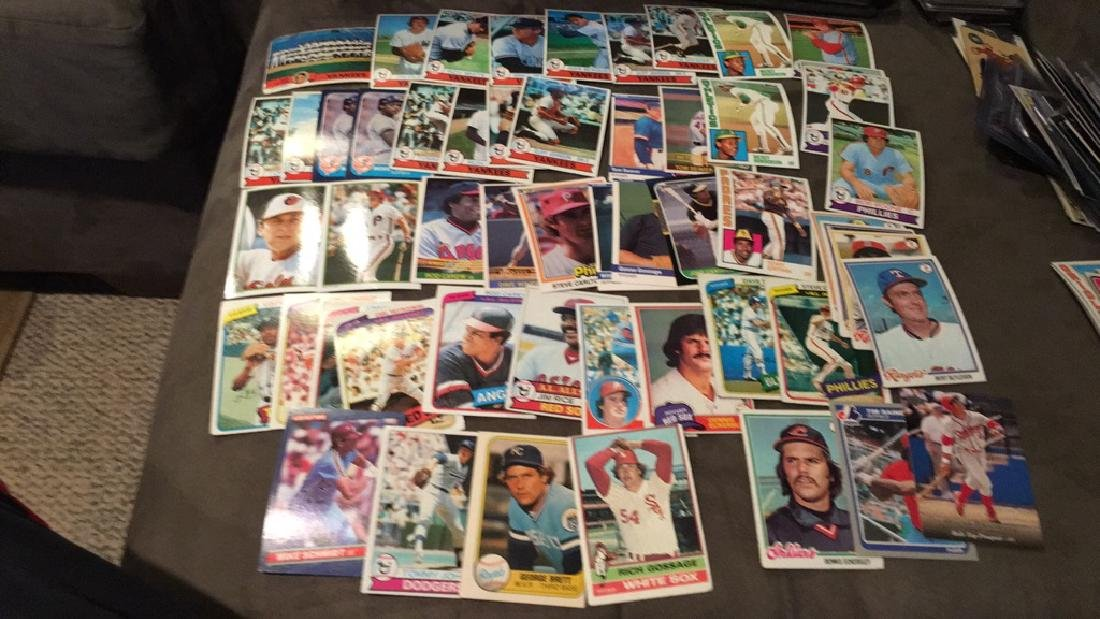Huge vintage baseball card lot filled with Hall