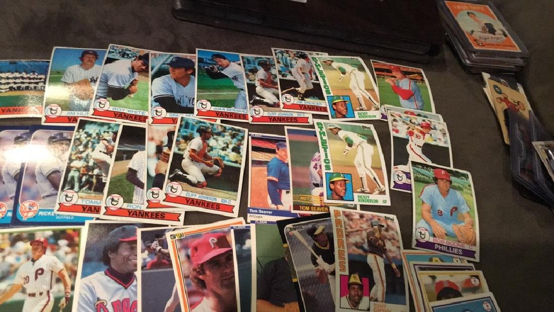 Huge vintage baseball card lot filled with Hall - 6
