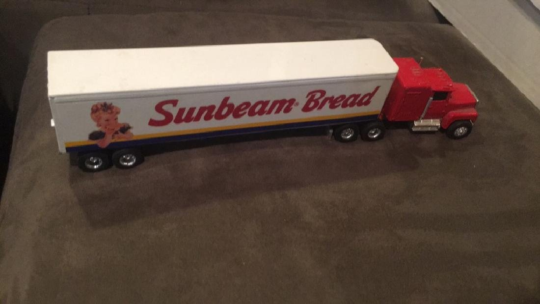 Ertl Sunbeam Bread Semi Truck